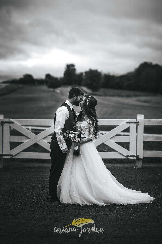 189 - Ariana Jordan - Kentucky Wedding Photographer - Landon & Tabitha_.jpg