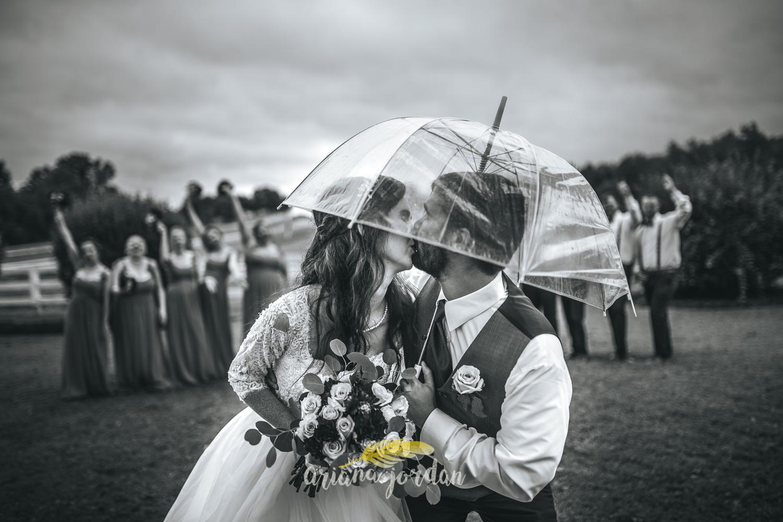 194 - Ariana Jordan - Kentucky Wedding Photographer - Landon & Tabitha 6860.jpg