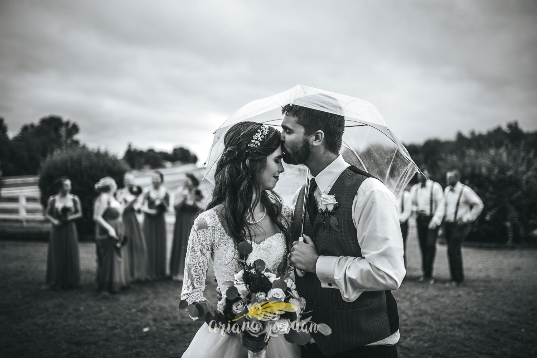 197 - Ariana Jordan - Kentucky Wedding Photographer - Landon & Tabitha 6891.jpg