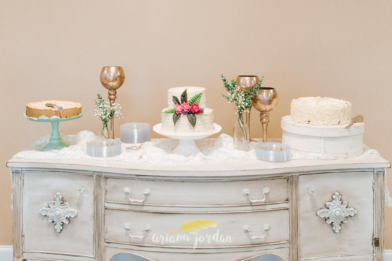 224 - Ariana Jordan - Kentucky Wedding Photographer - Landon & Tabitha 7166.jpg