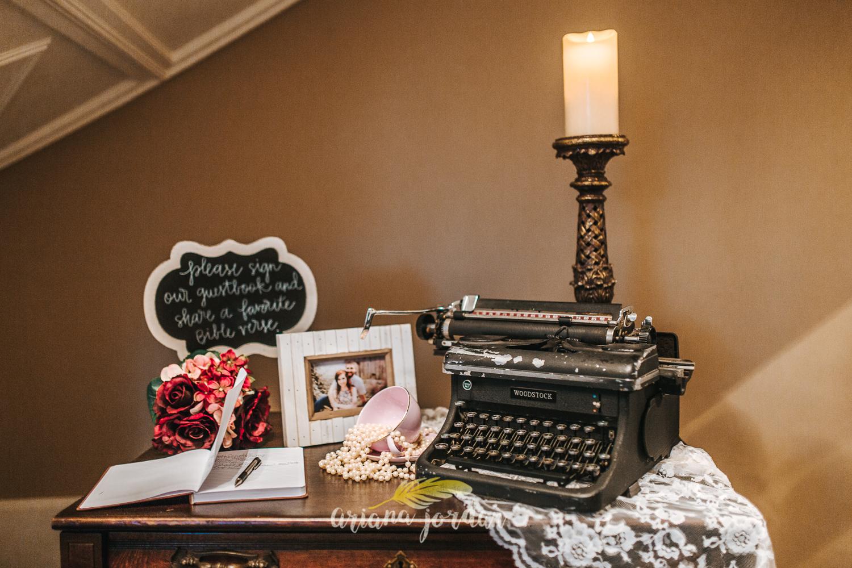 231 - Ariana Jordan - Kentucky Wedding Photographer - Landon & Tabitha 7212.jpg