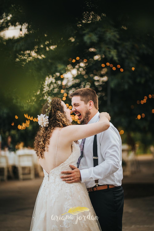 097 - Ariana Jordan Photography - Lexington KY Wedding Photographer.jpg