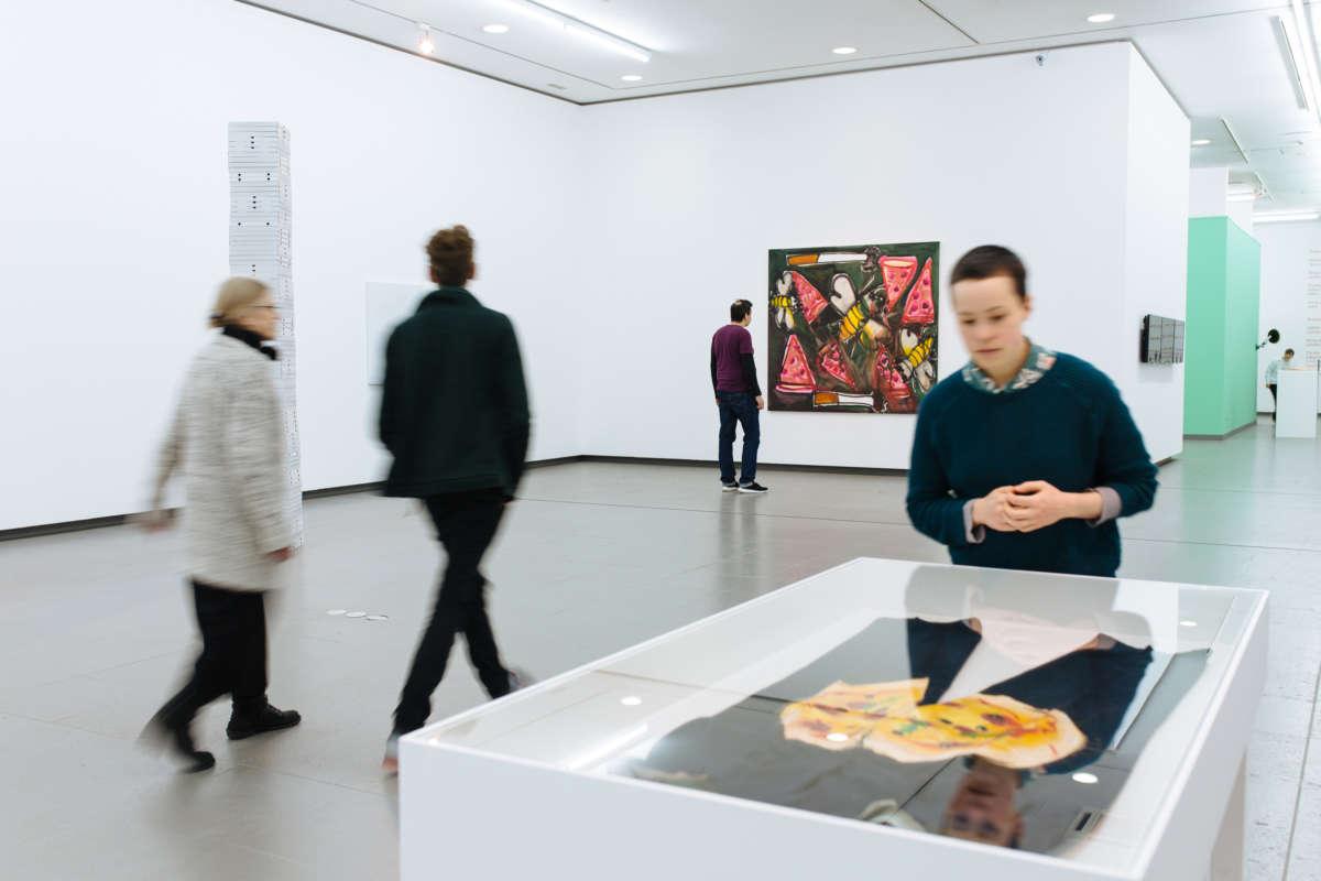 Ausstellungsansichten_Pizza-is-God_c_NRW-Forum-Duesseldorf-Foto-B.-Babic0020.jpg