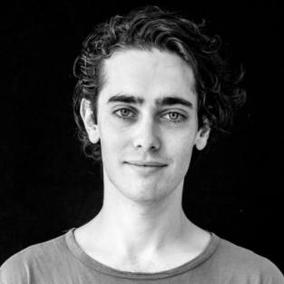 <b>Adam Horowitz</b></br>Signature Hack Manager