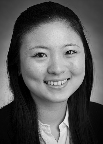 <b>Lili Zhao</b></br>Panel Manager