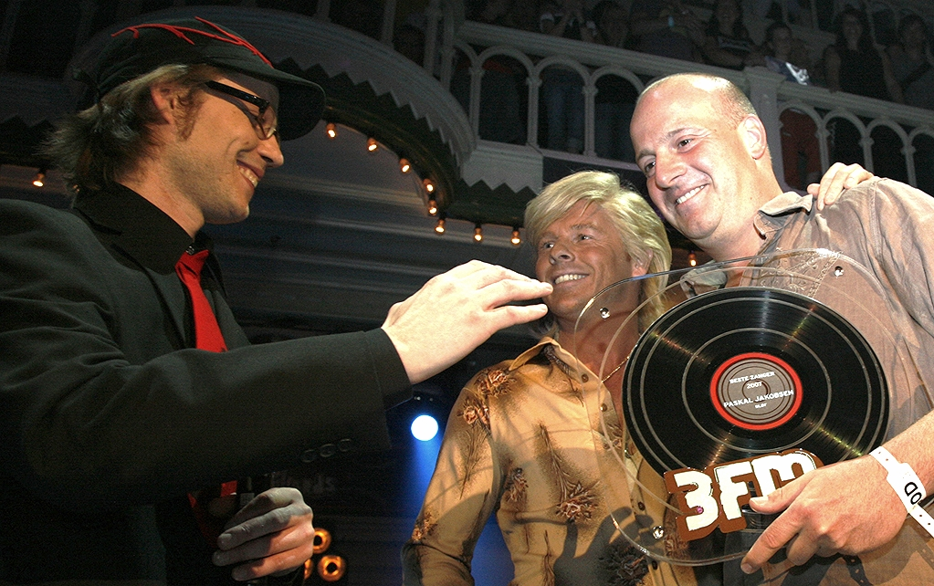Harry Glotzbach met Giel Beelen Pascal Blof 3FM awards.jpg