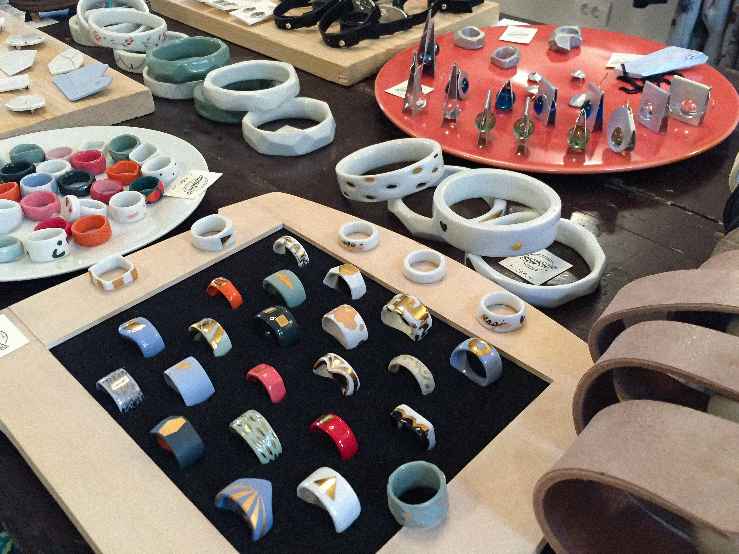 Porcelain jewelry at  Gradstore