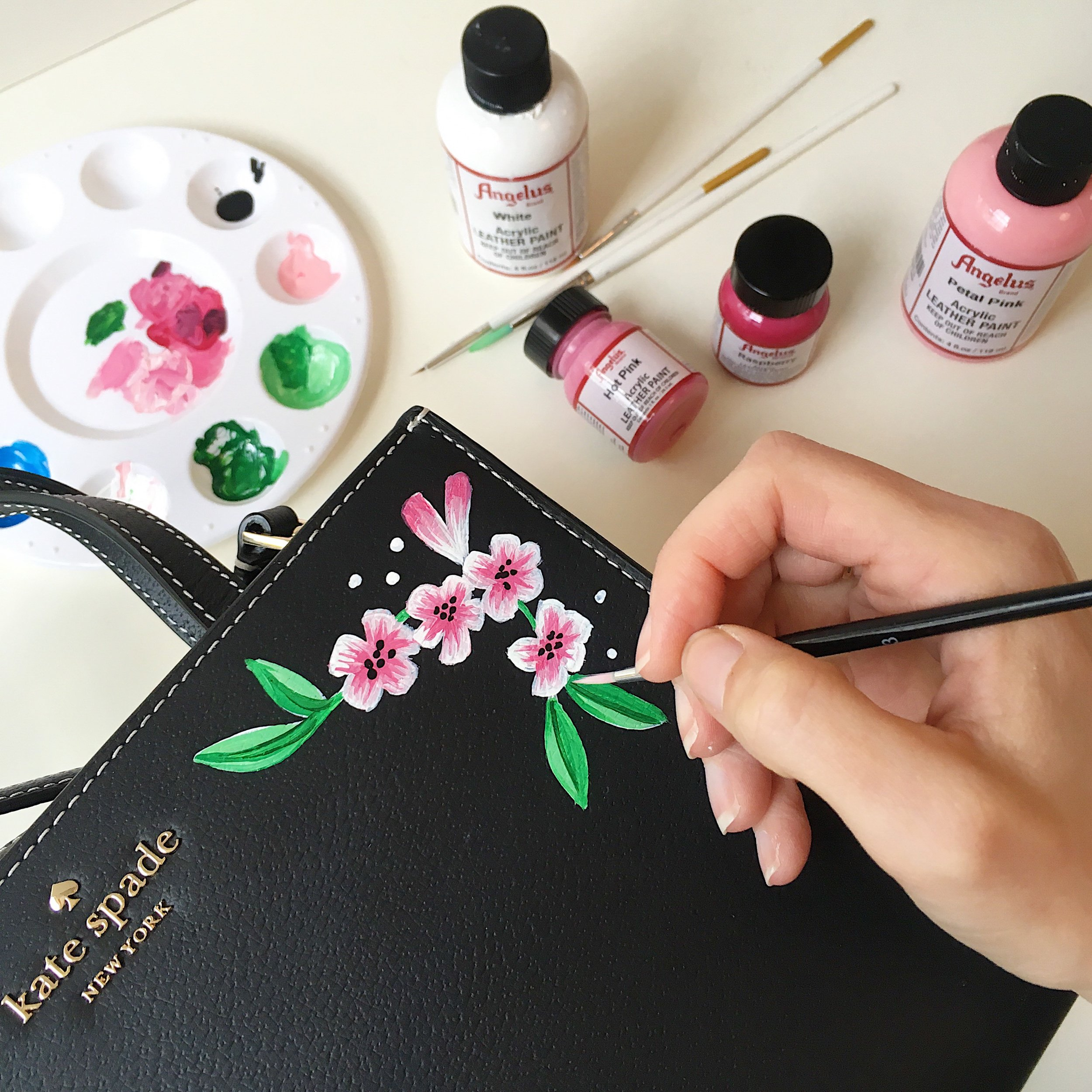 Leather painting at Kate Spade - a live illustration event