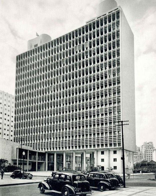 precedent/Gustavo Capanema Palace . . . #gustavocapanema #precedent #architecturalarchetypes #objectaffect #modernism #architecture #historic #theproblemwithmodernism #laylostudio