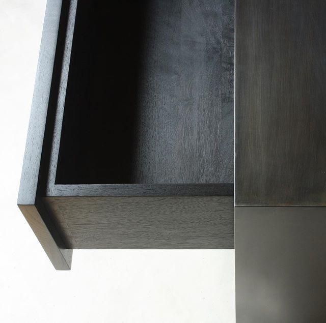 OXIDE | drawer detail in ebonized walnut + blackened steel . . . @1stdibs . . . #laylostudio #oxide #nightstand #dovetails #customfurniture #handmade #gunblue #ebonized #woodworking #welding #finefurniture #itsfine #interiordesign #photoshoot #1stdibs #chicago #goinggoinggone