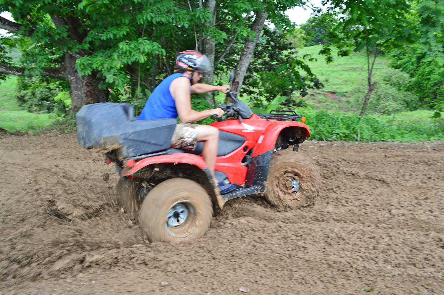 wheels-spinning-in-the-mud.jpg