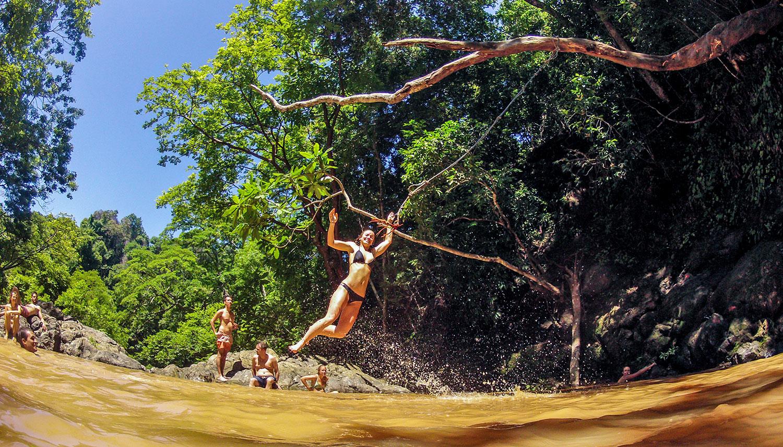 rope-swing-into-the-water-malpais.jpg
