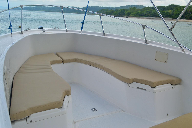 mako-fishing--boat-interior-costa-rica-santa-teresa.jpg