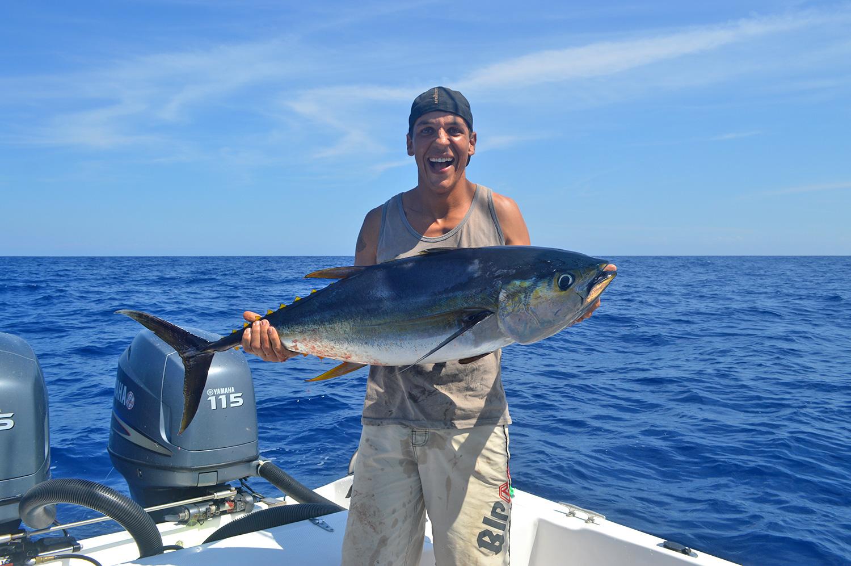 deep-sea-fishing-yellow-fin-tuna-malpais-cr.jpg