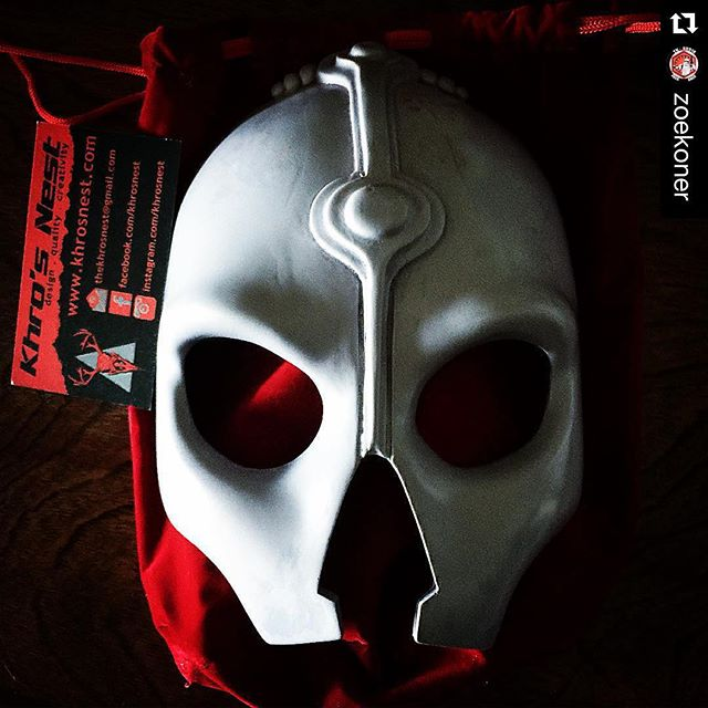 Mask #1 has landed! #Repost @zoekoner with @repostapp. ・・・ @khrosnest makes a dope nihilus mask
