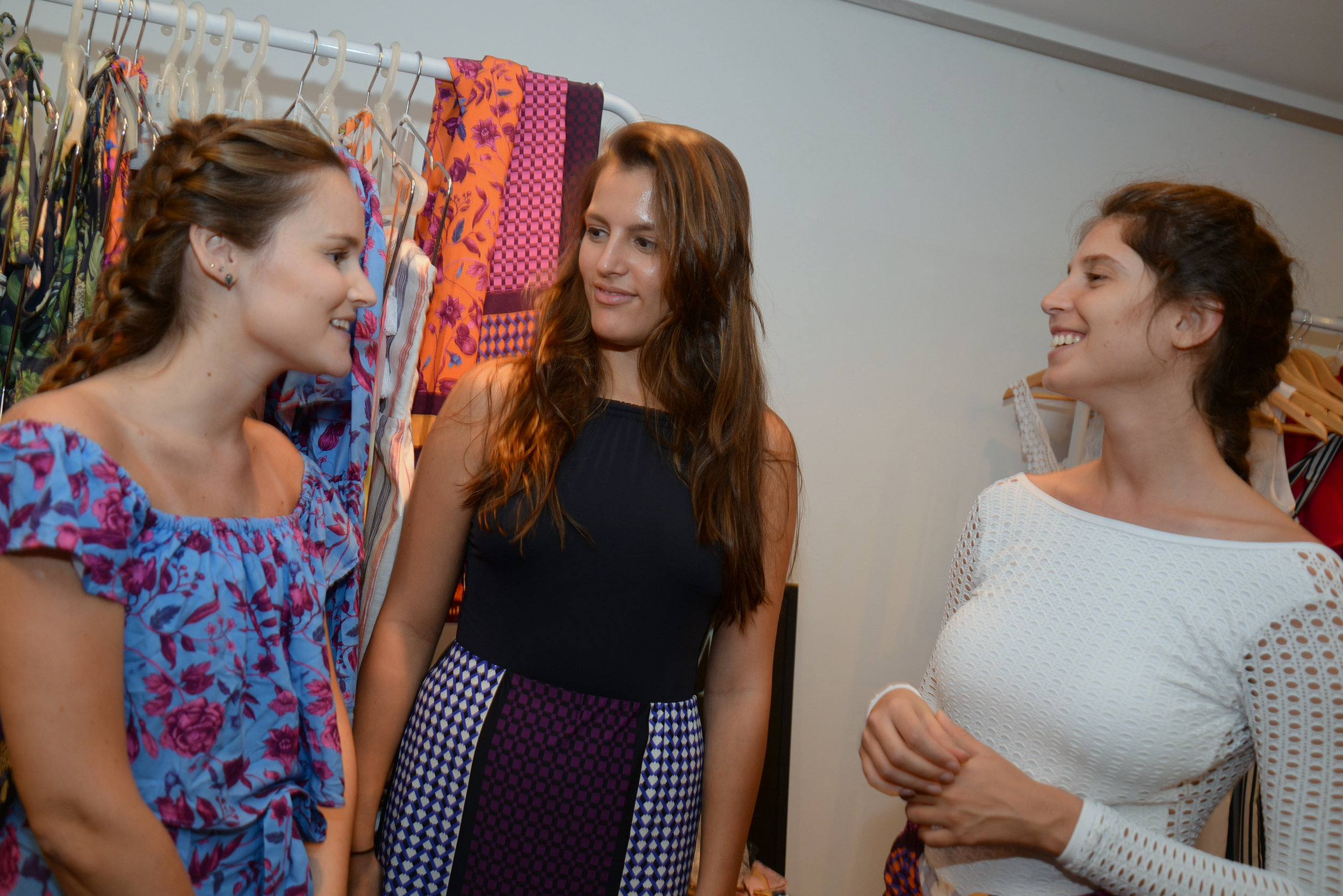 Luisa Falcao, Carol Vasconmcelos e Lilian Cardoso.JPG