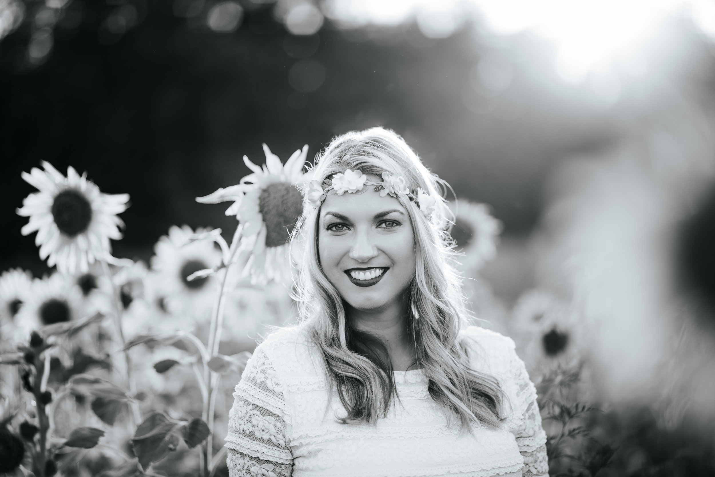 Ariana Jordan Photography - Allen Sisters Sunflower Session-16.jpg