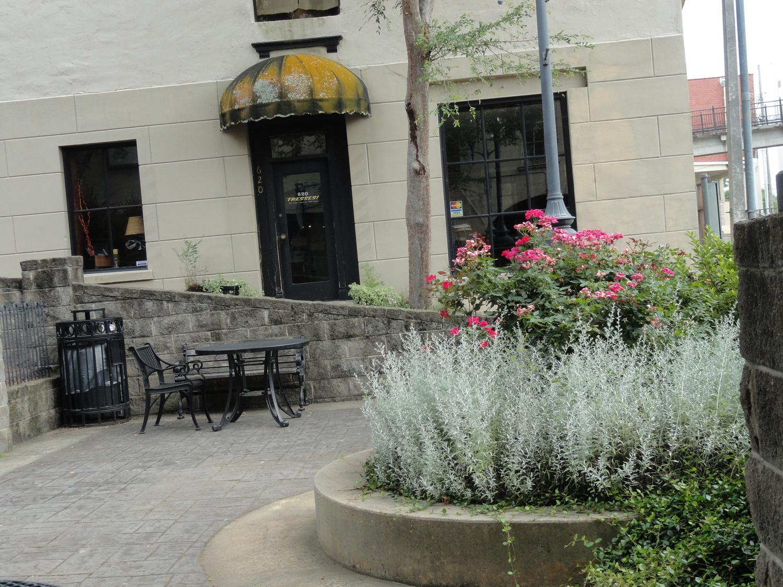 N_courtyard.jpeg
