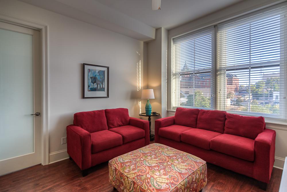 08 Living Room .jpg