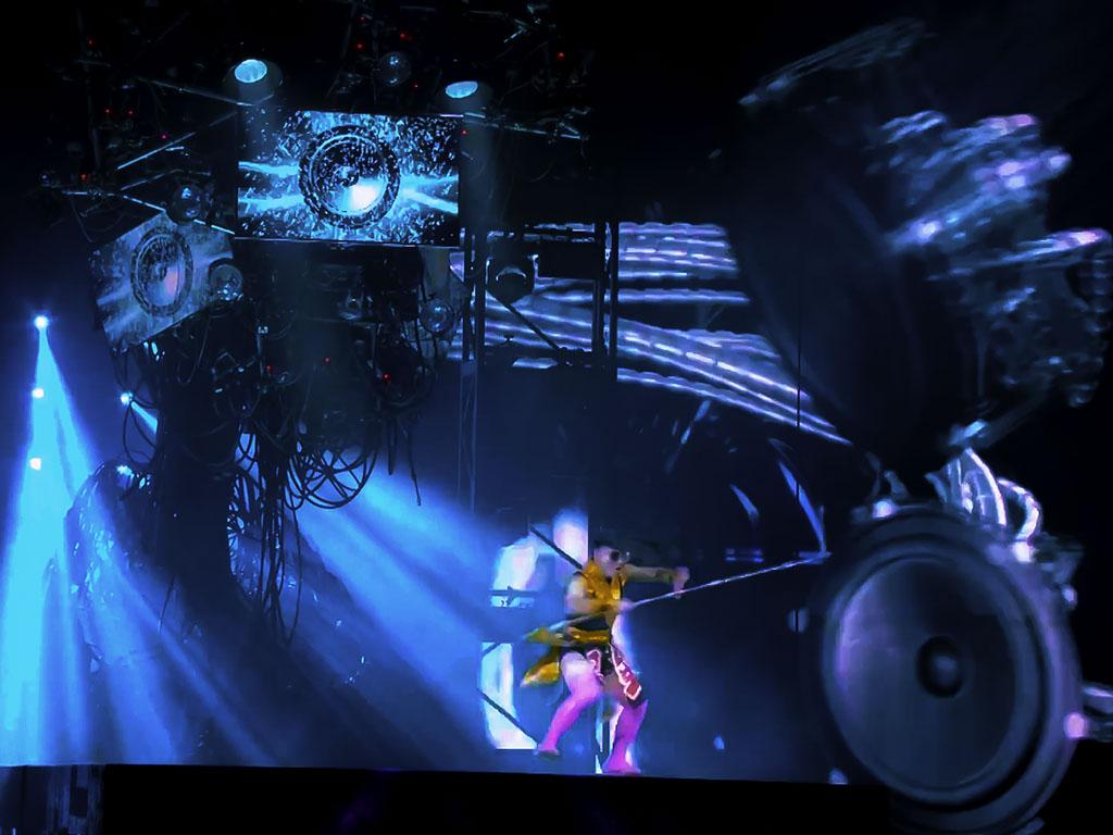 technomedia-michael-jackson-one-cirque-du-soleil-immersive-projection-2x-1.jpg