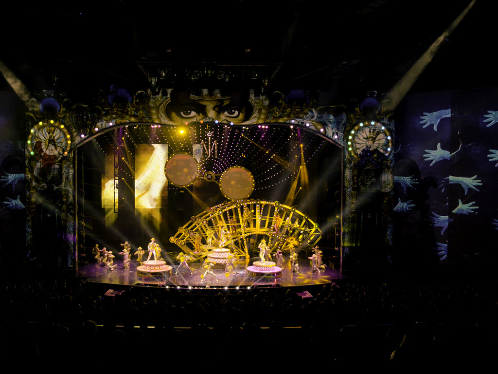 technomedia-michael-jackson-one-cirque-du-soleil-immersive-projection-2x-12.jpg