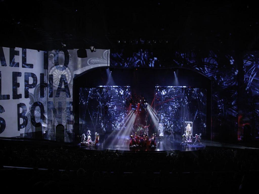 technomedia-michael-jackson-one-cirque-du-soleil-immersive-projection-2x-6.jpg