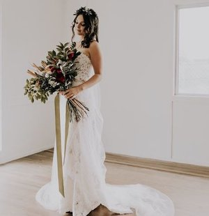 """""""We're loving this shoot for  @helenacouturedesigns !"""" Wedding And Bride"""