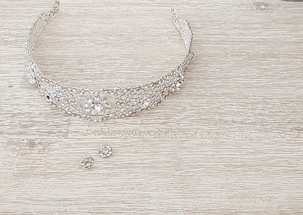 """There is even a variation of the jewellery worn by Meghan Markle, Duchess of Sussex, on her wedding day available for us """"common folk."""""""