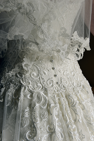 bespoke-bridal-designer-helena-couture-designs-custom-wedding-dresses-gold-coast-brisbane-byron-bay-affordable-real-brides-2019-sarah-brisco-dallas-detail.jpg