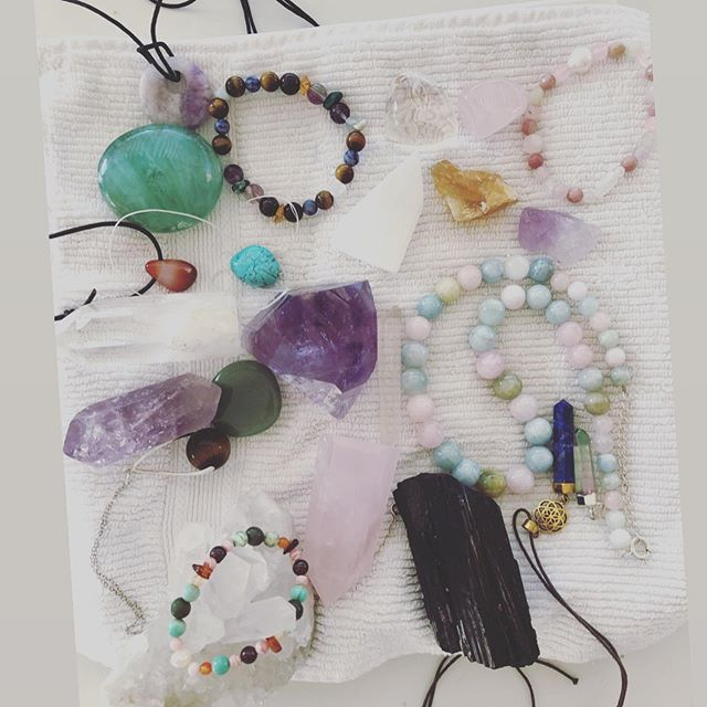 #fullmoon vibes in the South of France 🔮🧜‍♀️ 🌕 Our first ever full moon crystal cleanse 💛 Our collection has grown since the first crystals we bought @ceremonymeditation in California in 2017 😍 Linda's gorgeous mermaid tail delivered in advance on full moon day 😳😍🧜‍♀️ Additional dates have been added in September for the Manifesting Magic in Cannes retreat 🇫🇷👠❤️ Watch my stories for more 😘⤴️ #synchronicity #crystalcleanse #justaddwater💧 #dreamcomestrue #miniqueen #crystalchildren #raisinginfluencrs #frenchriviera