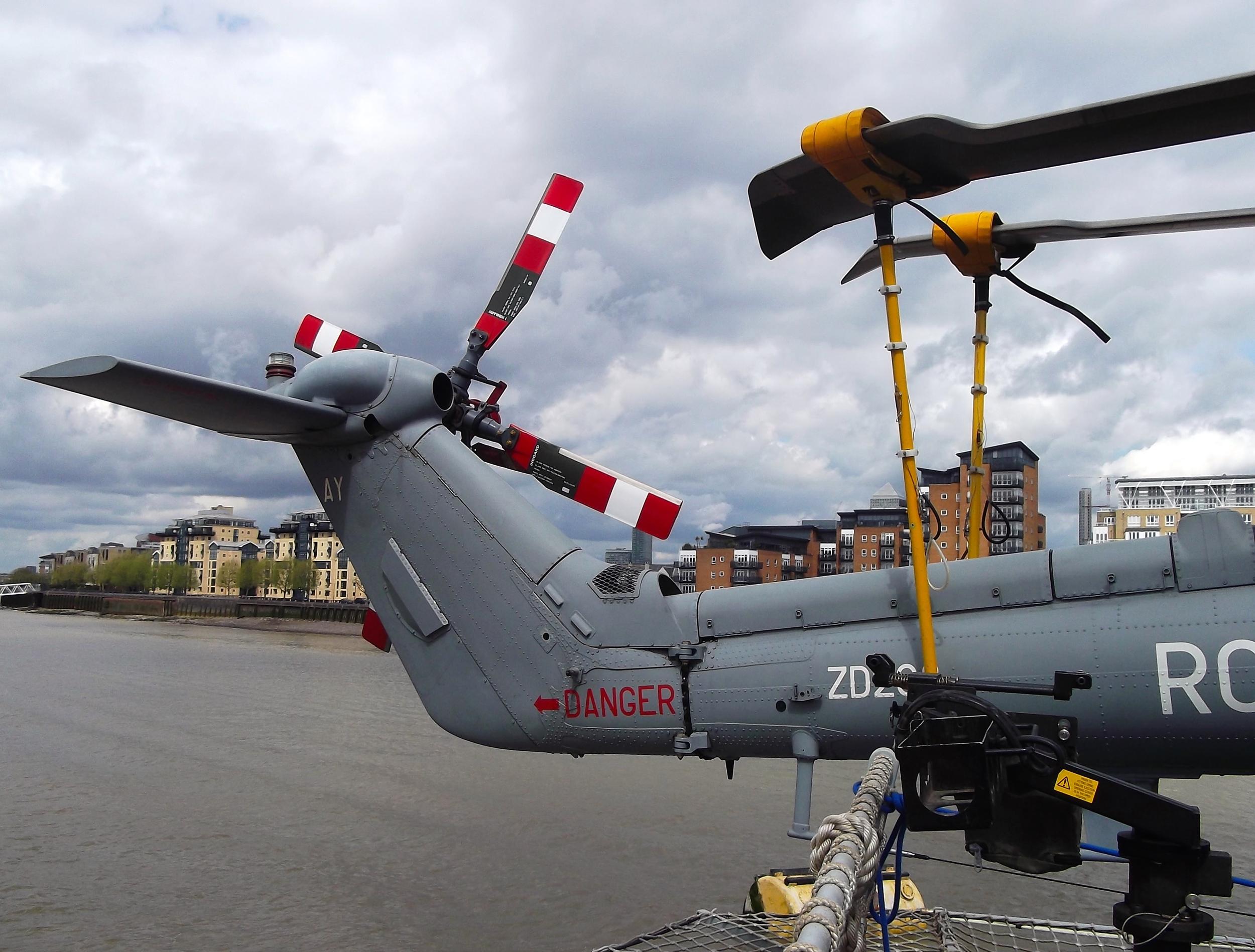 HMSDefender_helicopter.jpg