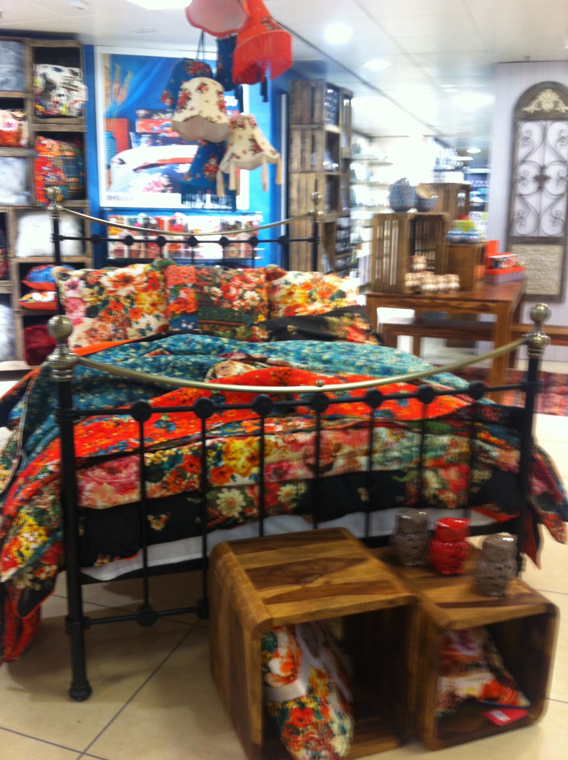 VINTAGE BEDDING IN BHS