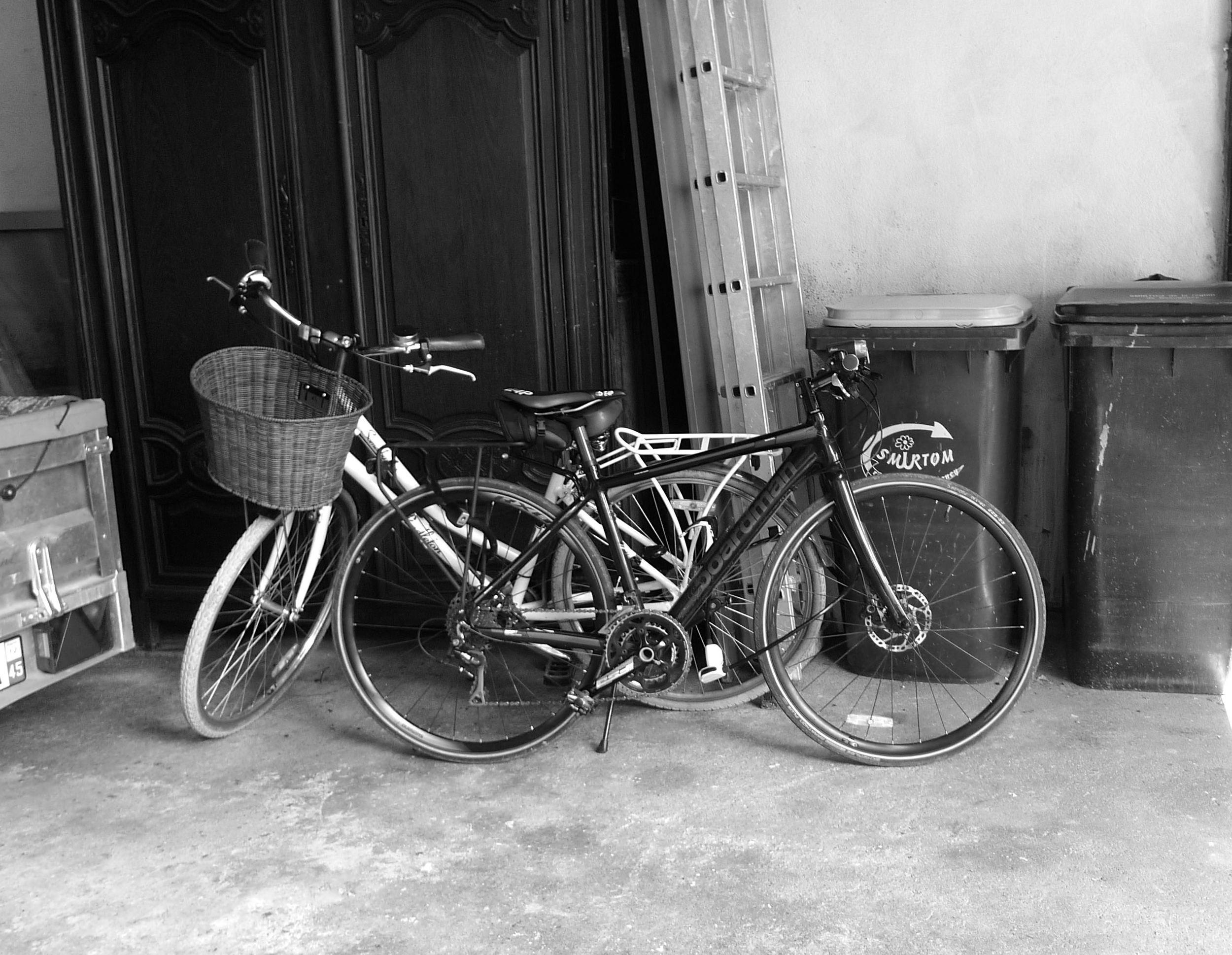 secure bike storage in beaugency