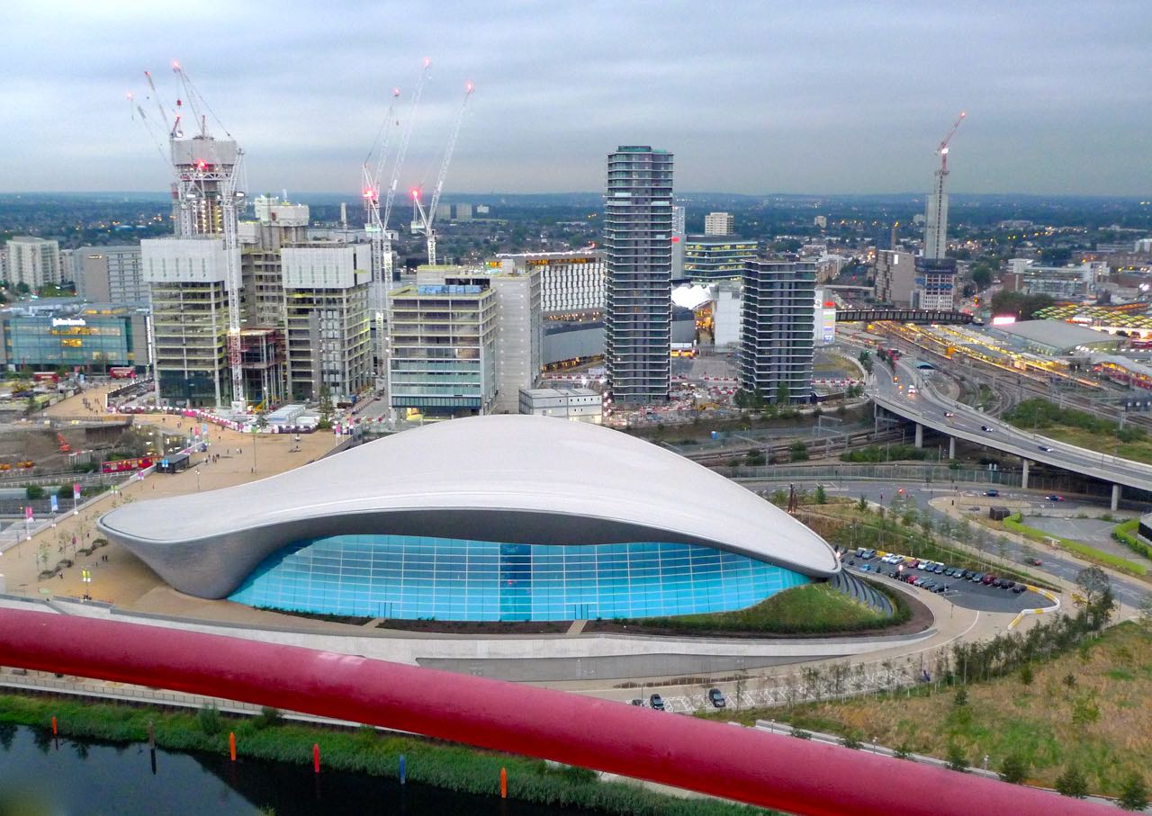LOOKING AT THE SWIMMING POOL IN THE OLYMPIC PARK