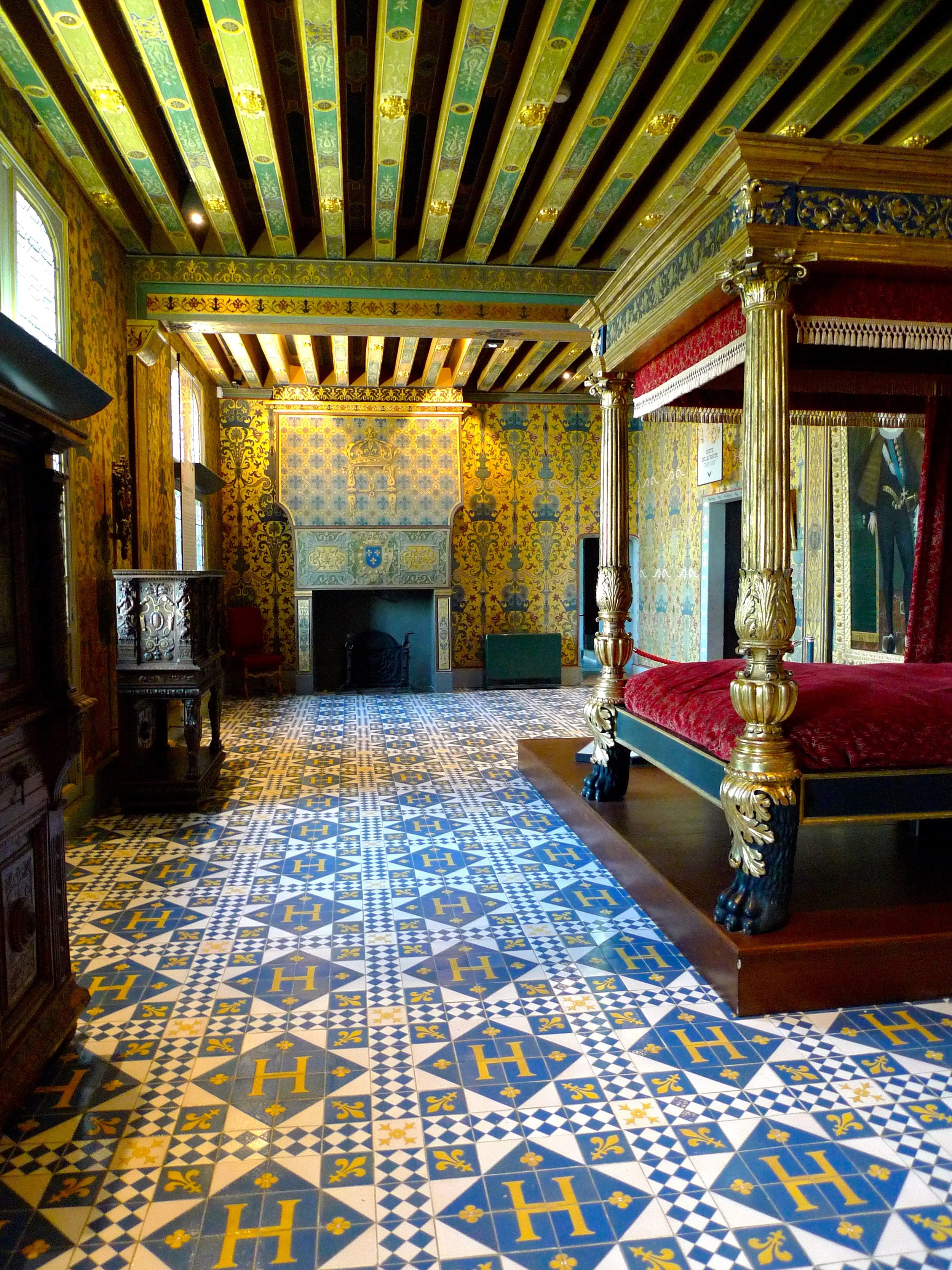 Patterns galore - floor, walls, ceiling and fireplace