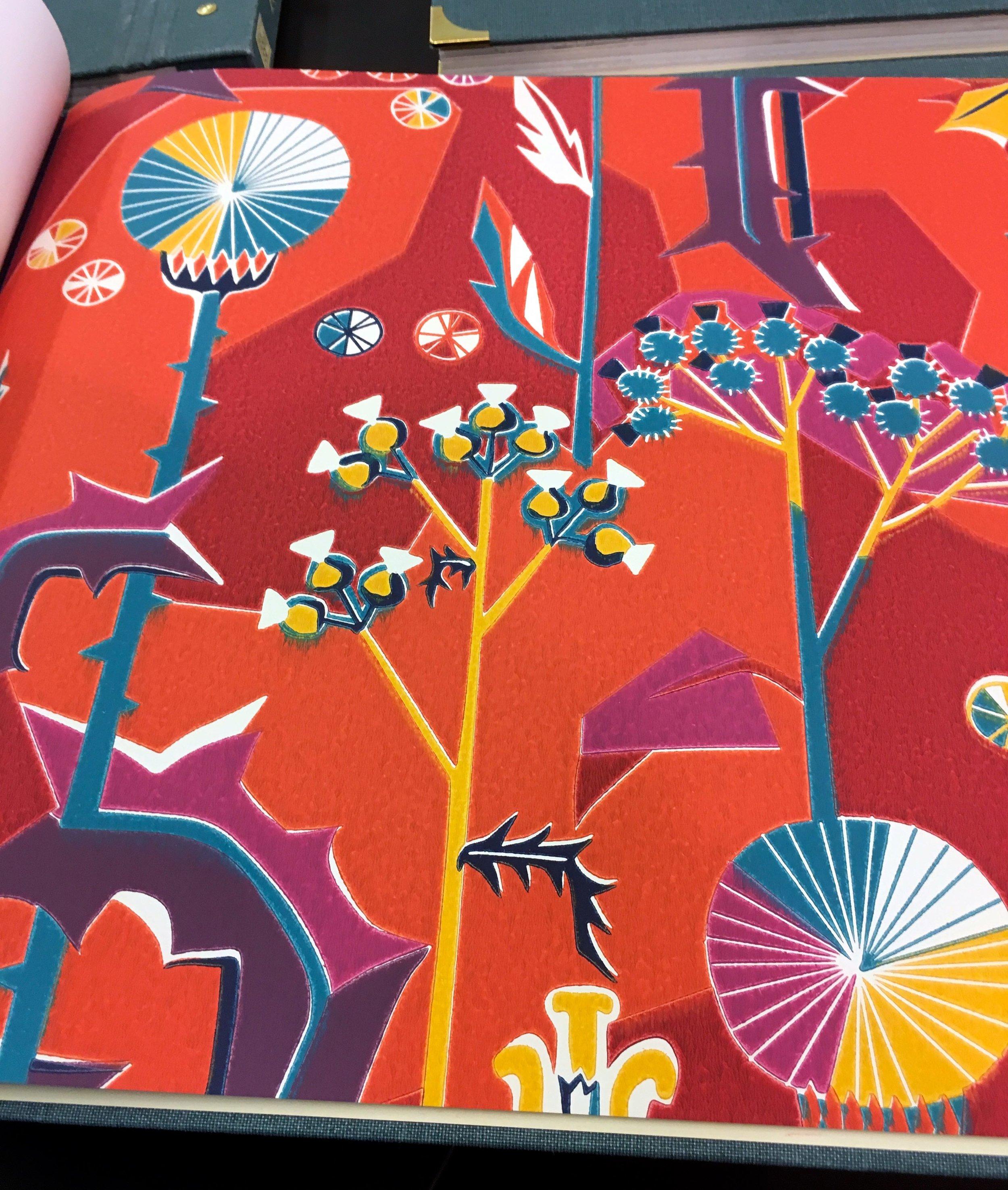 SANDBERG WALLPAPER: TISTLAR RED