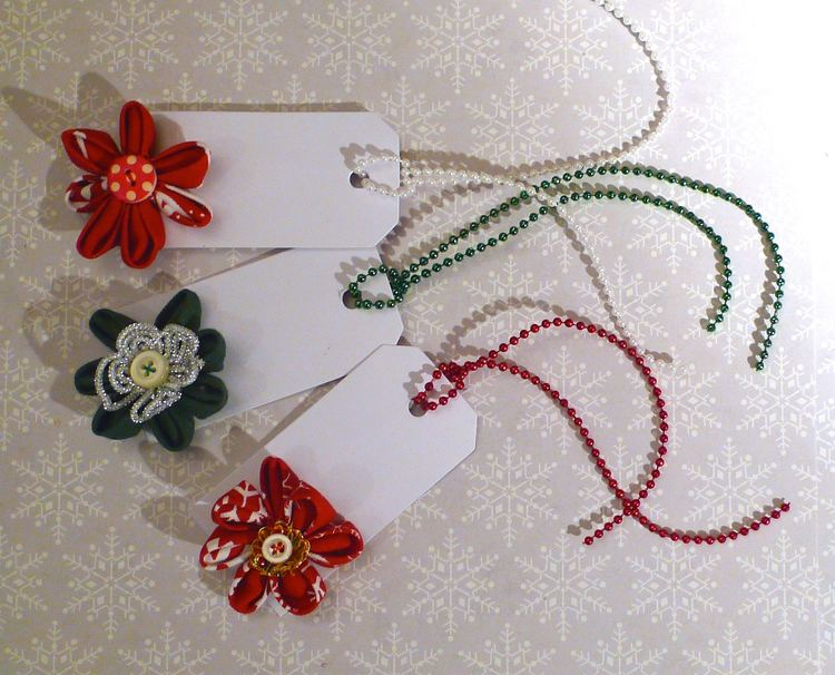 the completed christmas gift tags, gorgeous aren't they