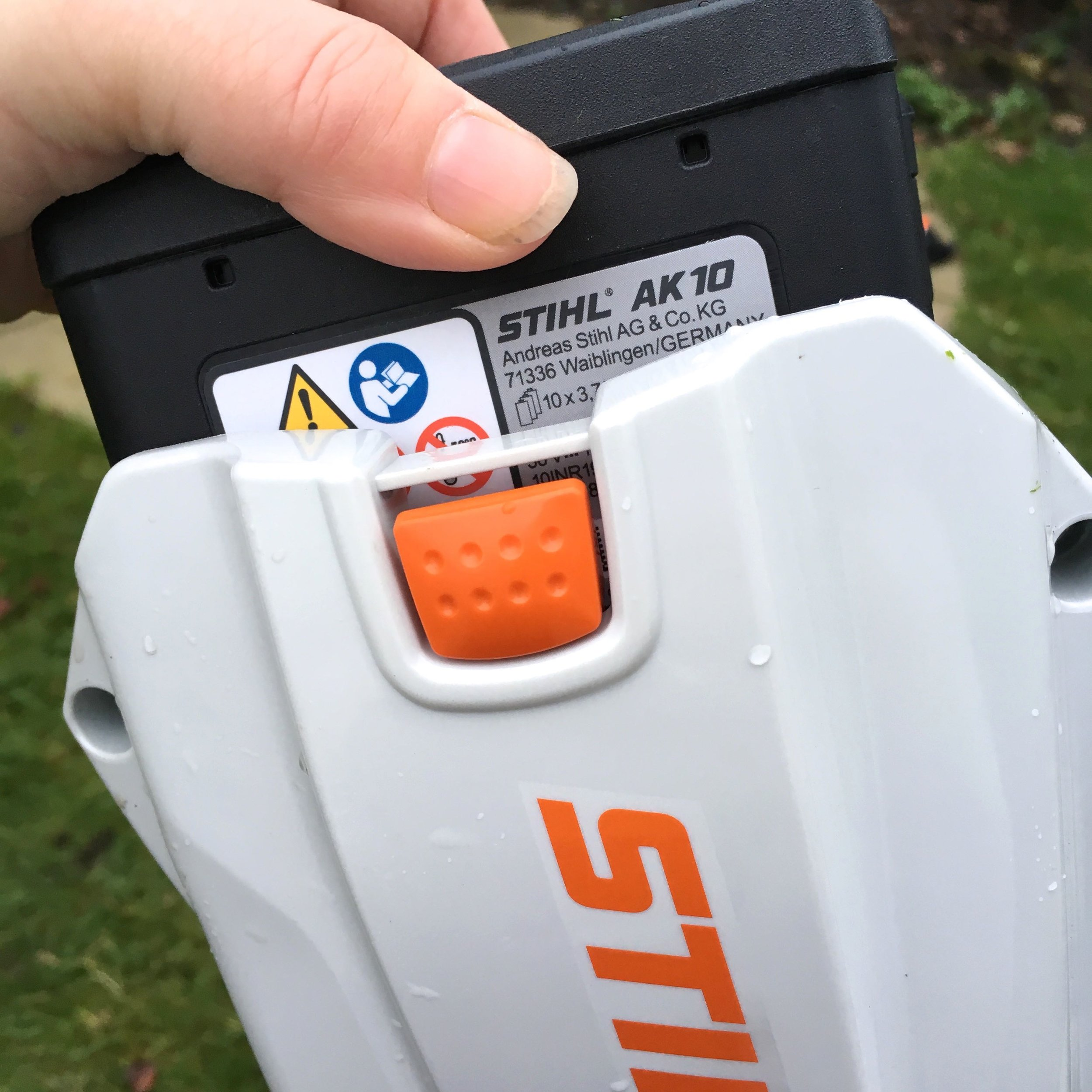 removable rechargeable battery for the Stihl compact range, which are easy to insert and remove