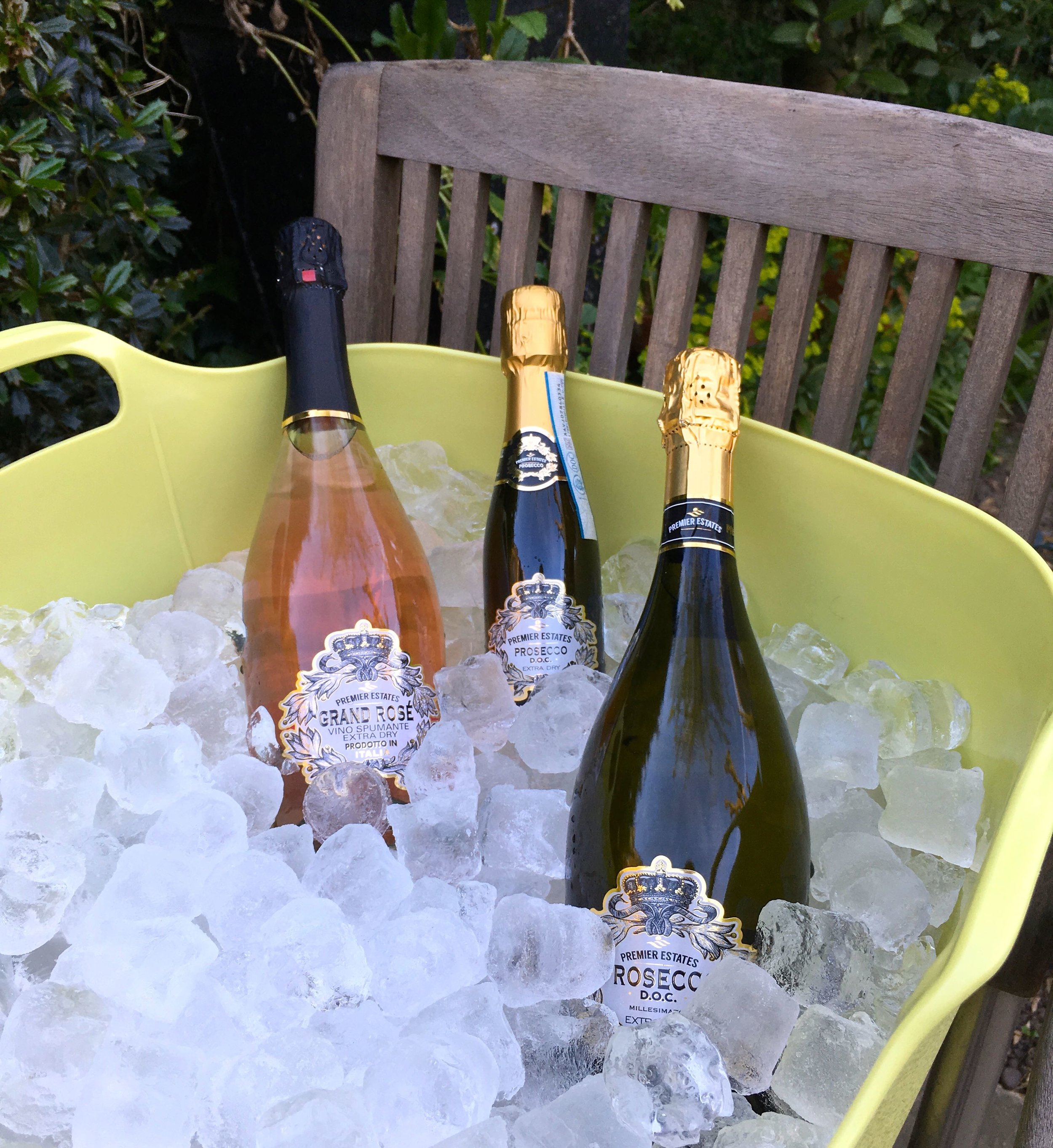 prosecco by premier estate wines on ice in my new flexi-square trug