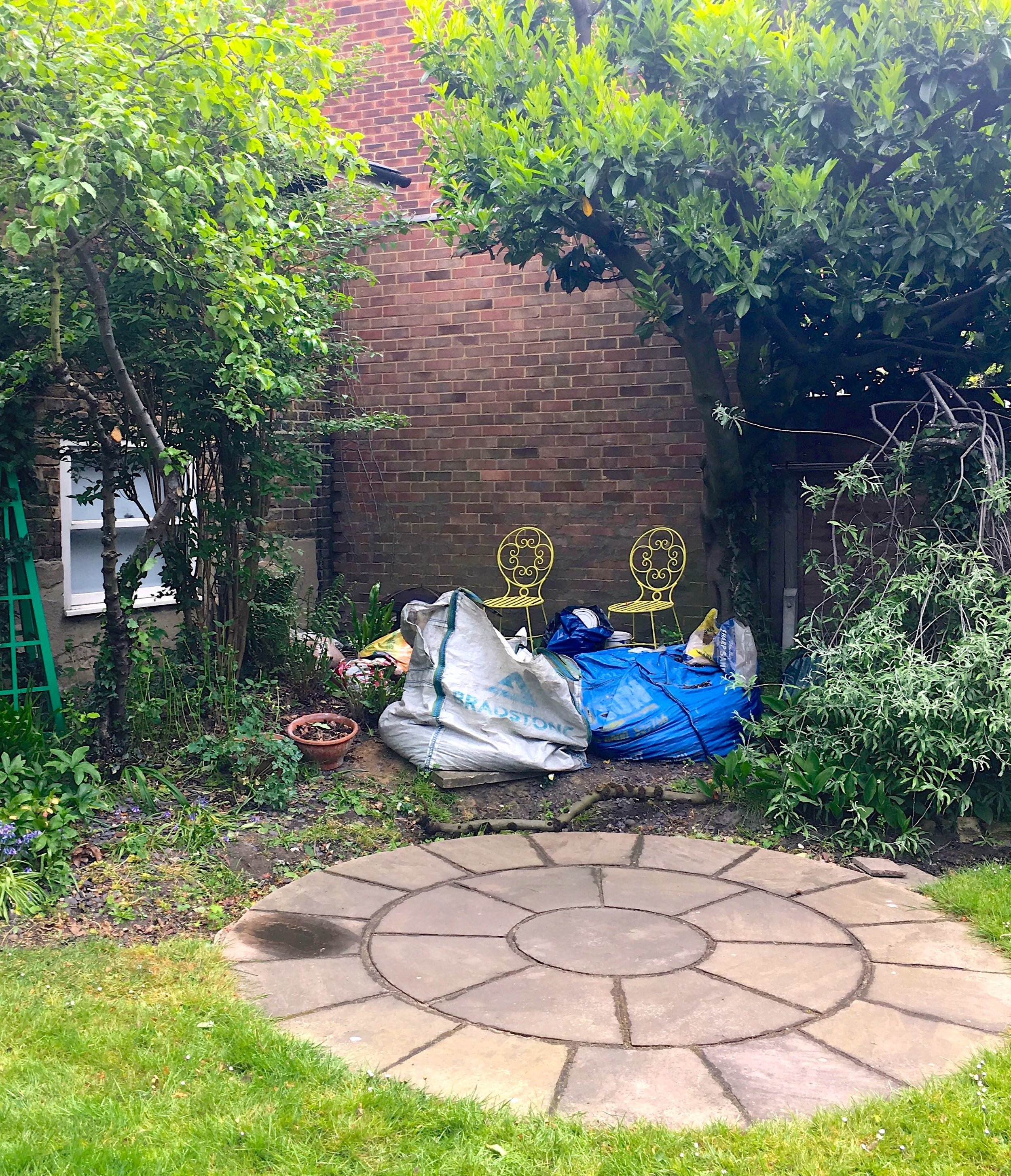 THIS IS THE PART OF OUR GARDEN ABOUT TO GET A REVAMP AND A NEW PURPOSE