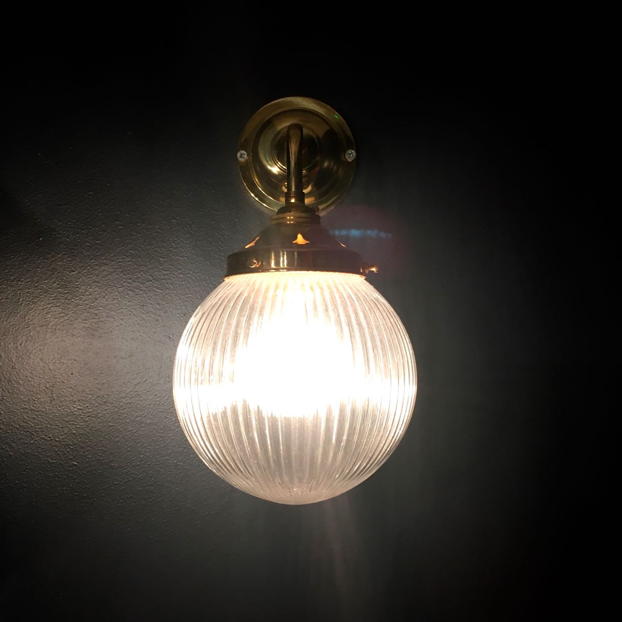 wall lights in the loos at the Tandoor Chop House London