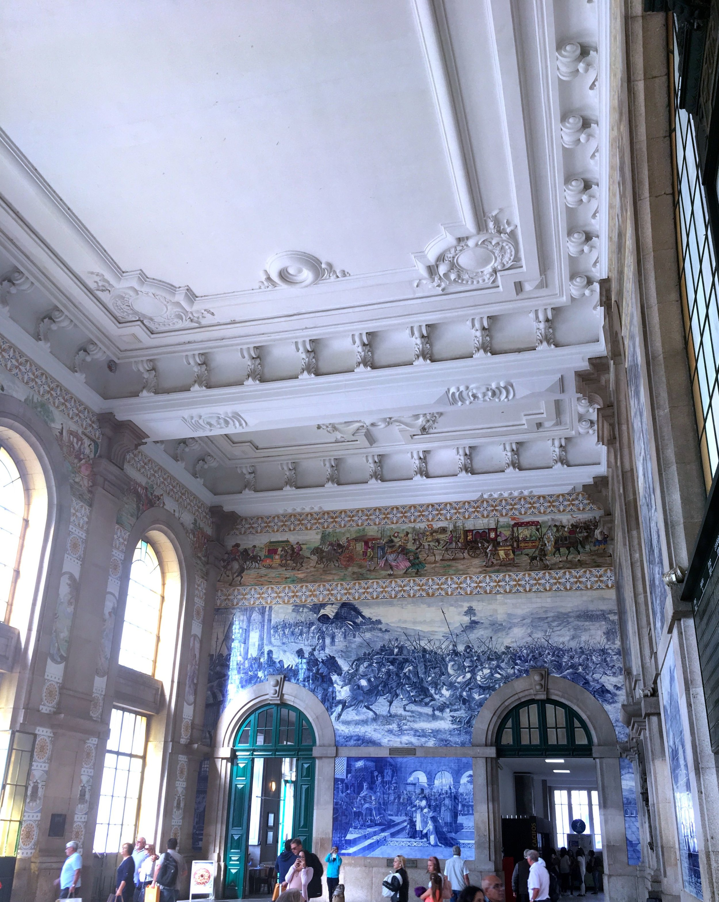 Breathtaking decor at the station to the douro valley