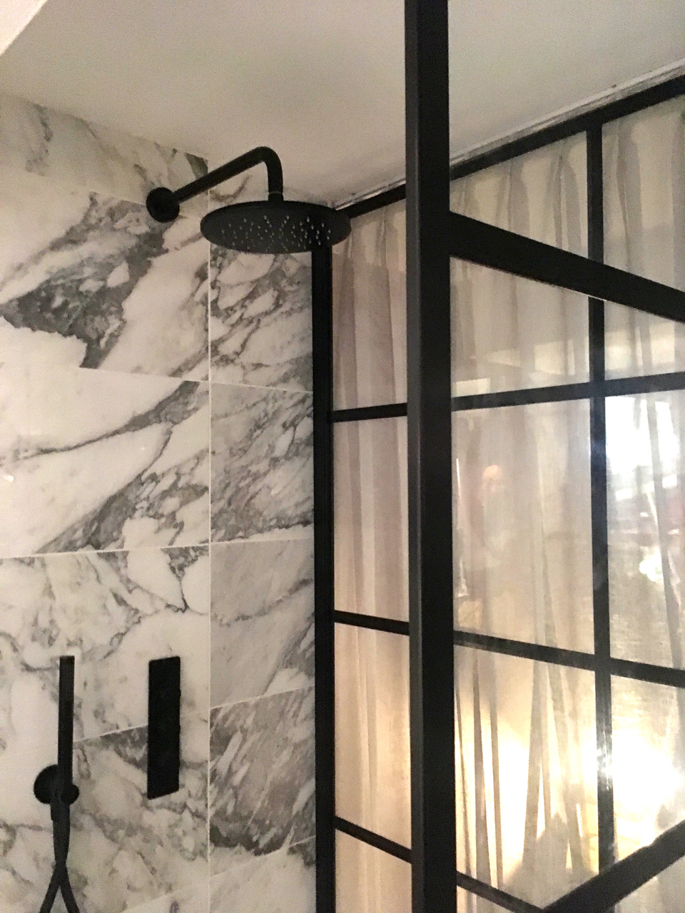 The stunning shower in the Houzz of 2018