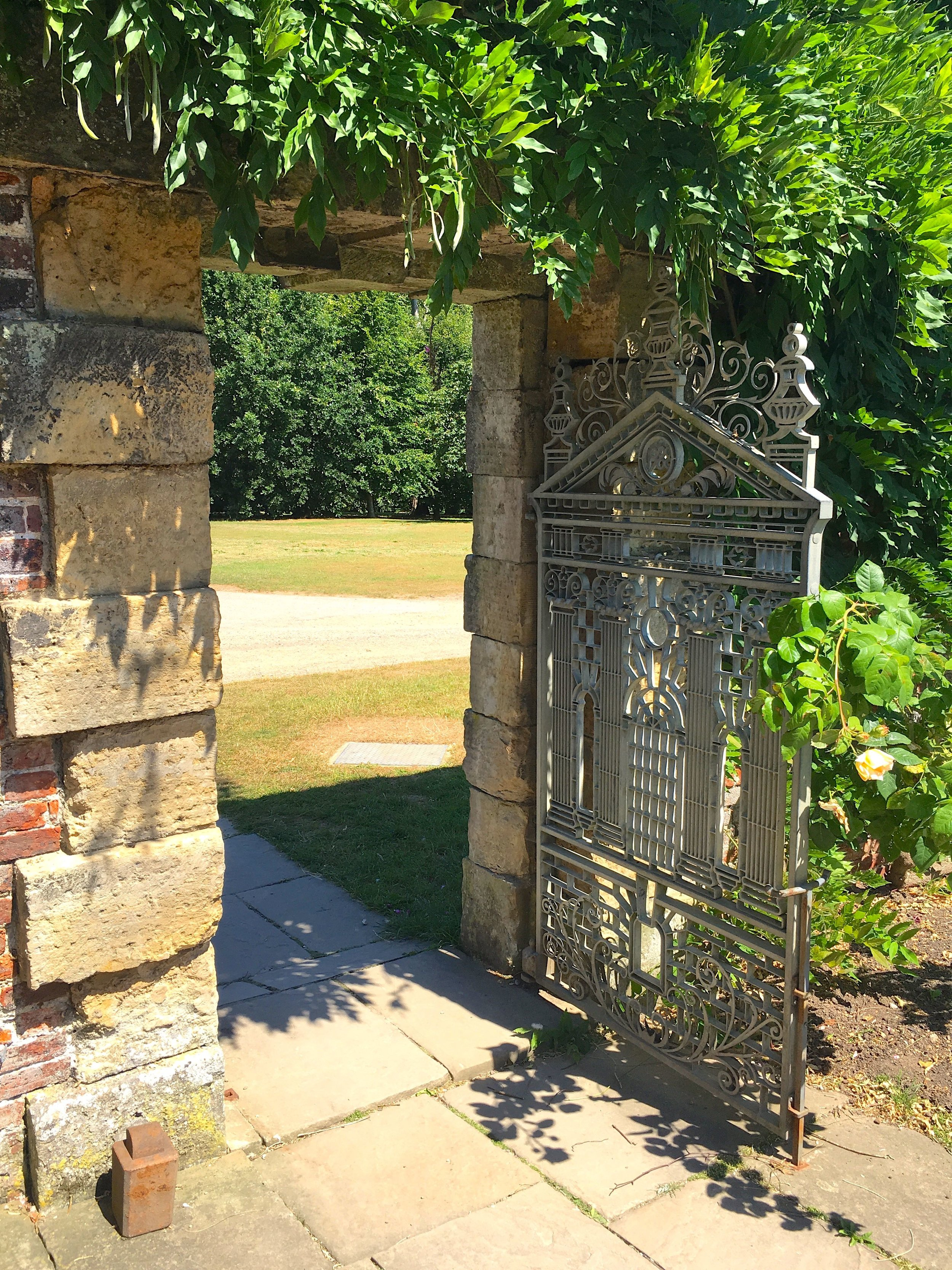 THE GATE TO THE POTAGER, MY FAVOURITE PART OF THE GARDEN