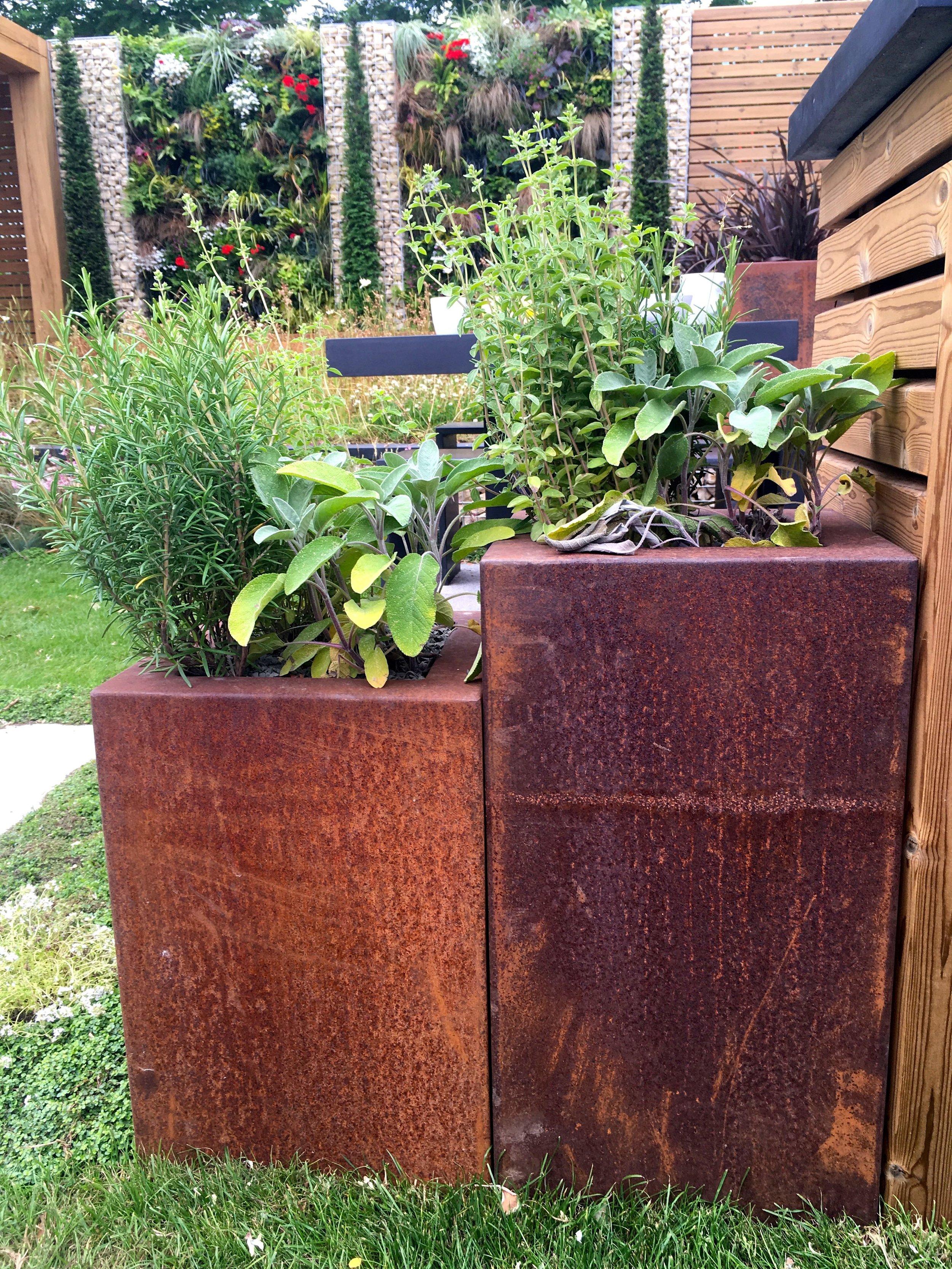 Corten steel planters - swoon!