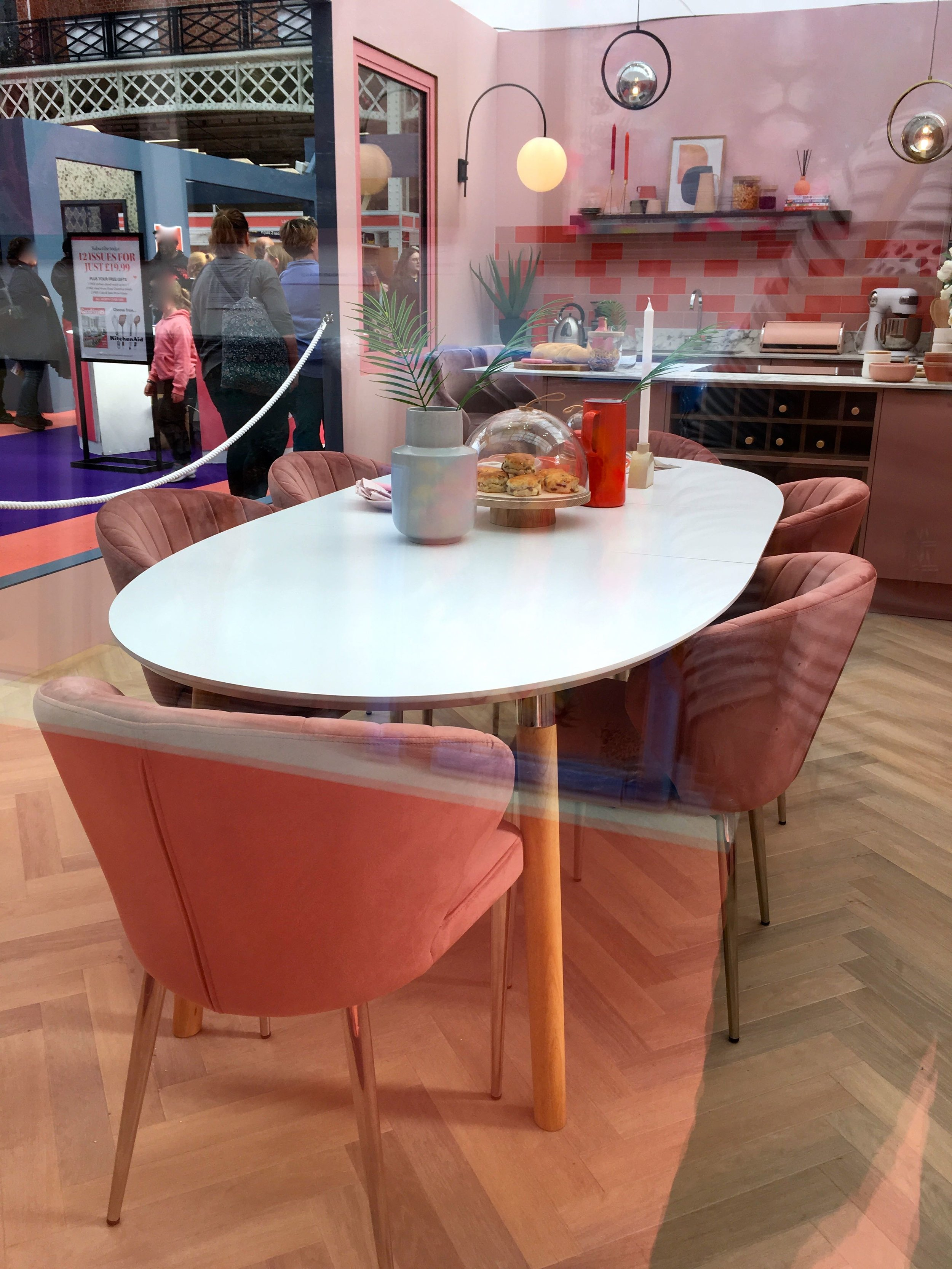 A PINK KITCHEN ROOM SET