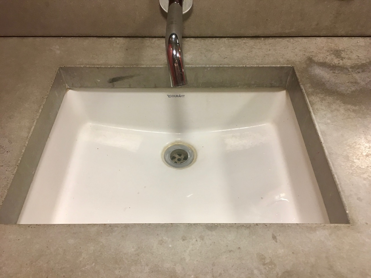 A closer look at the sinks