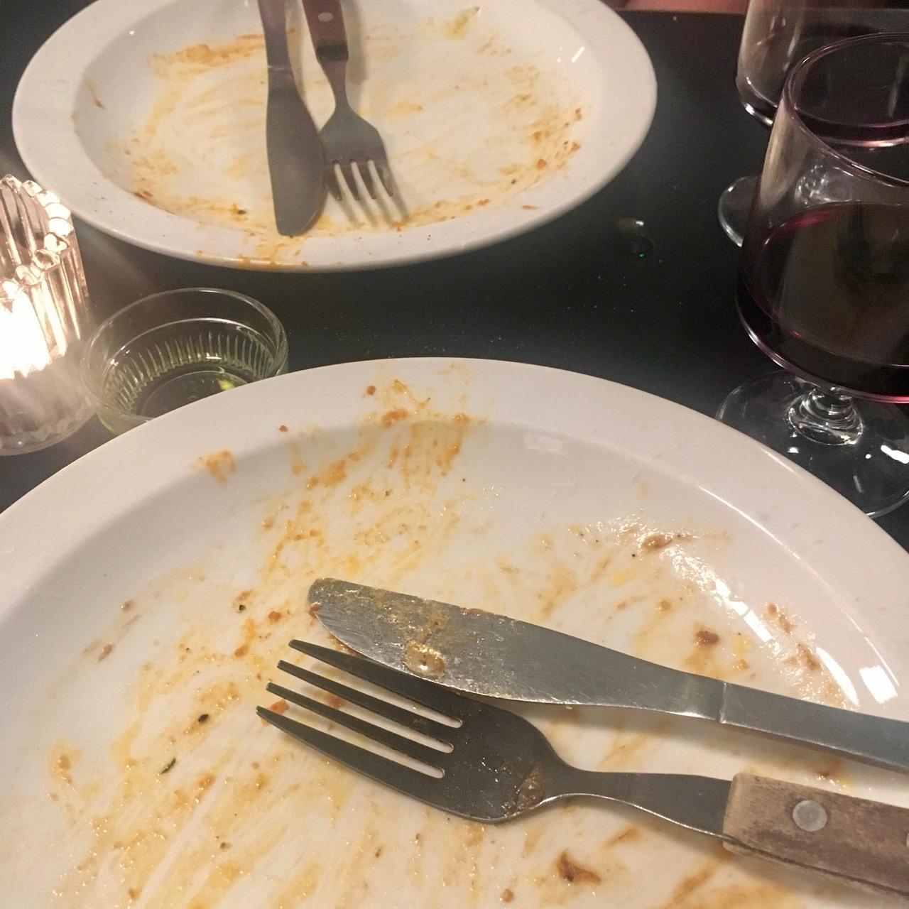 clean plates at Padella in Borough Market