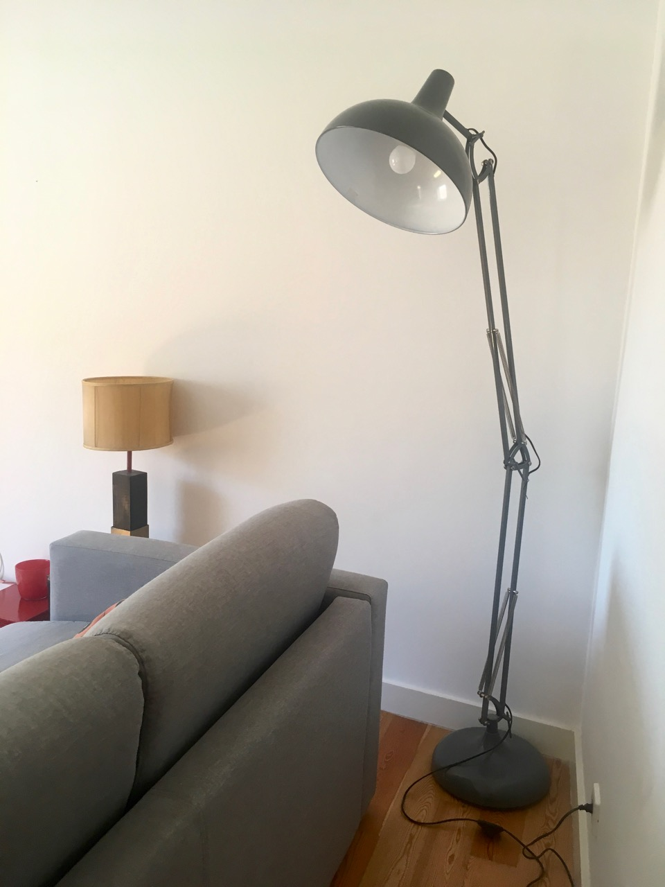 a giant anglepoise lamp