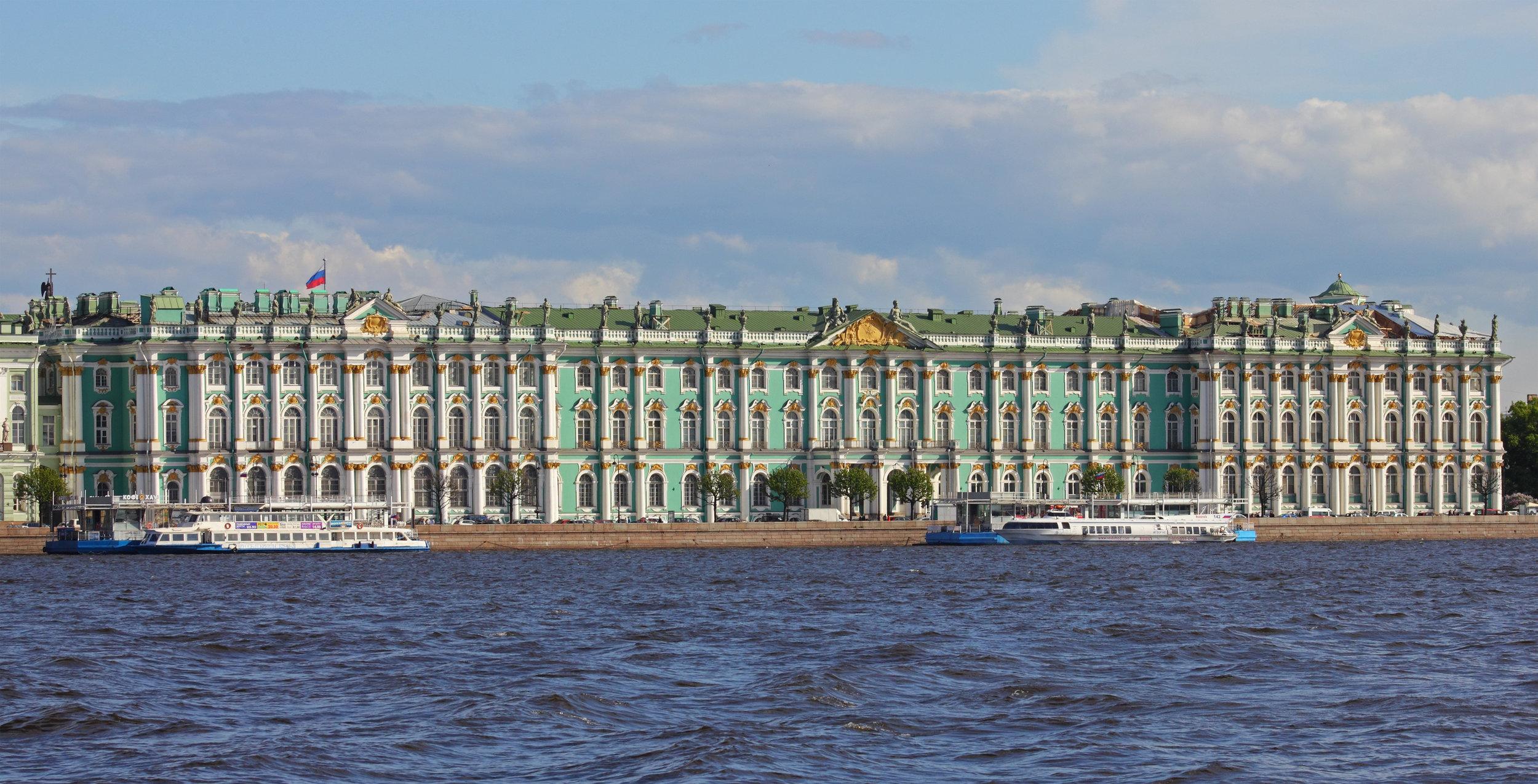 Spb_06-2012_Palace_Embankment_various_14.jpg